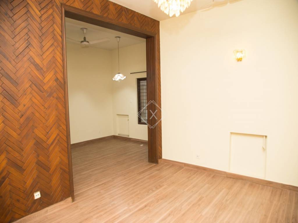 1 Kanal House For Sale in F 11