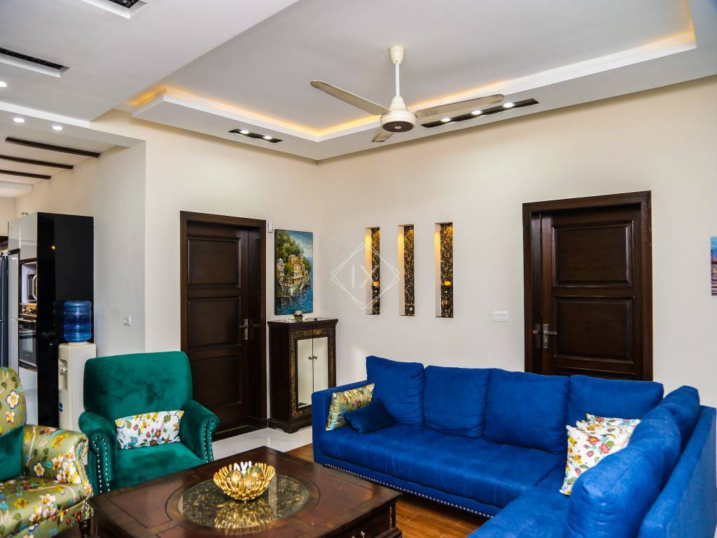 8 Bedroom House For Sale in Bahria Town