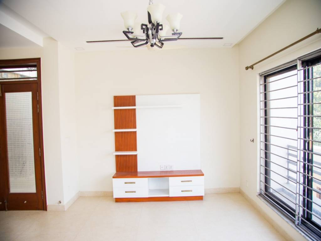 1 Kanal House for Sale in DHA 2